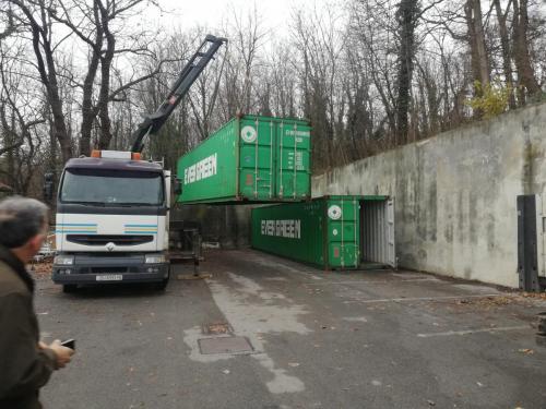 Manipulacija kontejnerima