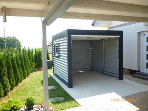 Montažna garaža sa prozorom
